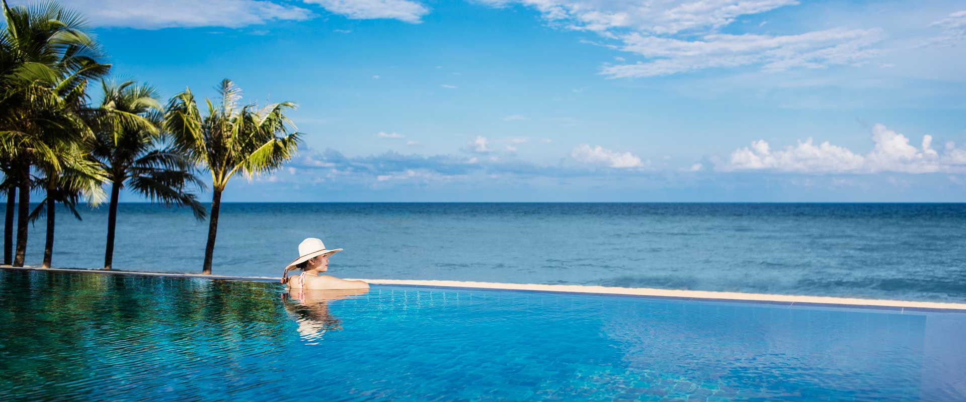 Moonrise-Beach-Resort-Pool
