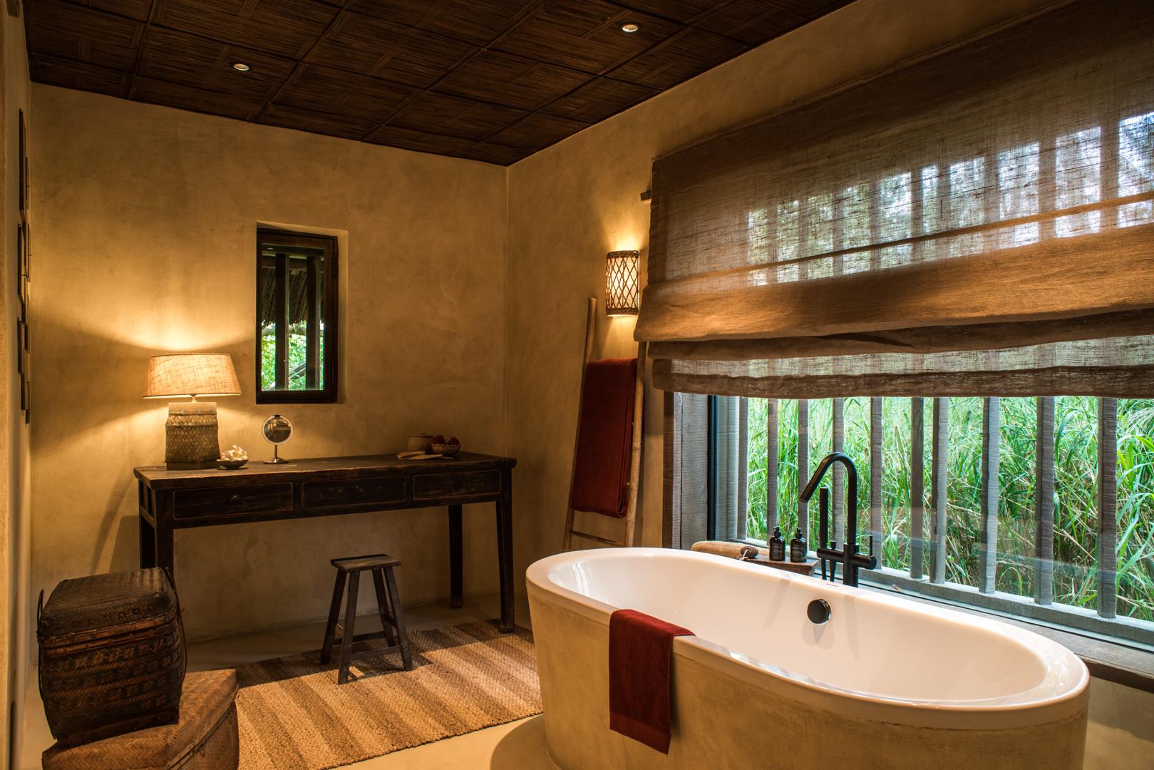 Zannier-Hotels-Bãi-San-Hô-Beach-Pool-Villa-Bathroom-1-©-Frederik-Wissink-for-Zannier-Hotels-1