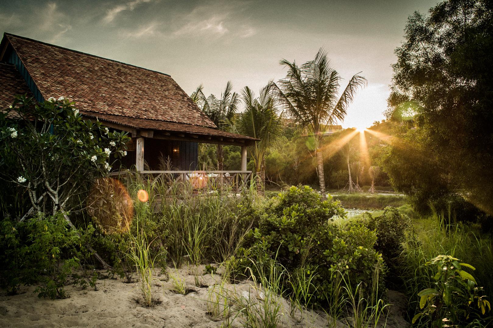 Zannier-Hotels-Bãi-San-Hô-Beach-Pool-Villa-Exterior-2-©-Frederik-Wissink-for-Zannier-Hotels